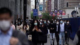 الصين تسجل 65 إصابة جديدة بكوفيد-19