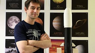French lecturer reaches for stars with astronaut application