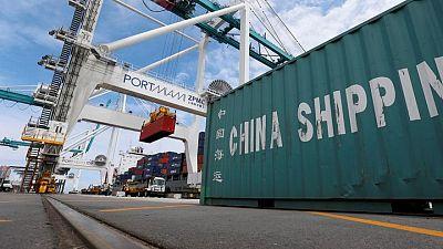 Déficit comercial de EEUU se reduce en abril por caída de importaciones