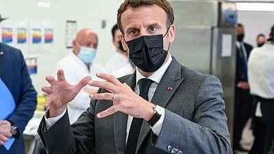Macron es abofeteado durante paseo por sureste de Francia