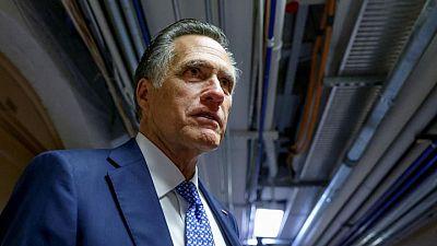 El republicano Romney dice que el plan de infraestructuras de los dos partidos no subirá impuestos