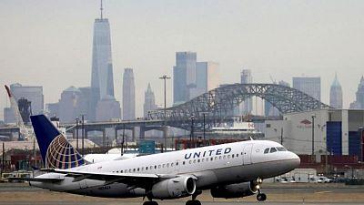 United may split major jet order between Boeing, Airbus - sources