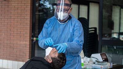Nelle ultime 24 ore 13 casi, nessun morto, solo 5700 vaccini