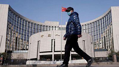 Economía de China mantendrá tasa de crecimiento de media a alta: funcionario banco central