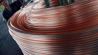 Fundiciones chinas aumentan producción de cobre en agosto respecto a julio: Antaike