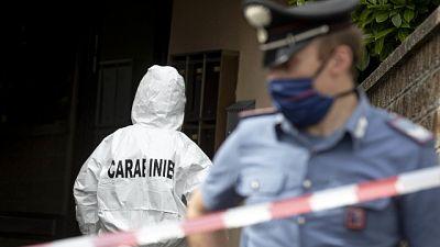 In un comune del Pavese, carabinieri valutano posizione nipote