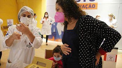 البرازيل تسجل 85149إصابة و2216 حالة وفاة جديدة بكورونا