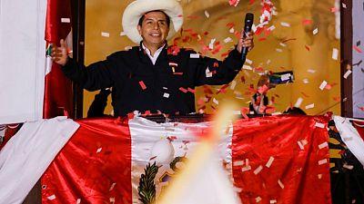 اليساري كاستيلو يتأهب لإعلانه رئيسا لبيرو