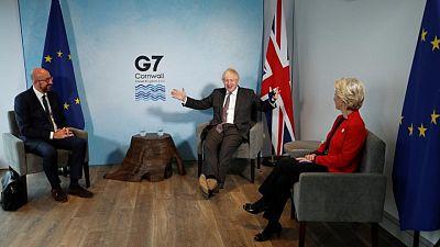 """""""Lo que sea necesario"""": Boris Johnson advierte a UE sobre comercio post-Brexit"""