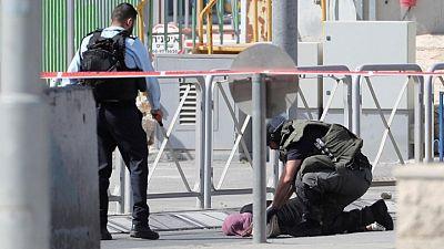Israeli guard shoots dead a knife-wielding Palestinian woman, police say