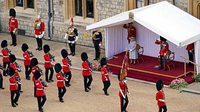 ملكة بريطانيا تشهد مراسم سنوية بمناسبة عيد ميلادها للمرة الأولى دون فيليب