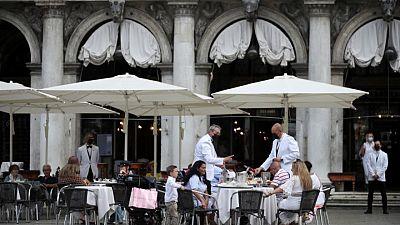 إيطاليا تسجل 52 وفاة جديدة بفيروس كورونا و1723 إصابة