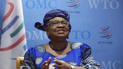 Jefa de la OMC ve manera de lograr acuerdo para acelerar llegada de vacunas COVID a naciones pobres
