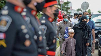مئات يشاركون في تشييع أفراد أسرة مسلمة كندية دهسهم مهاجم بشاحنة