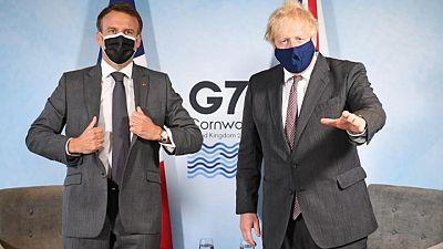 """""""Guerra de las salchichas"""" de UE y Reino Unido crepita en G7 con choque de Macron y Johnson"""