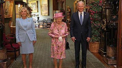 Los Biden toman té con la reina Isabel tras la cumbre del G7