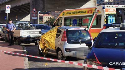 Il corpo della donna è stato trovato in un'auto