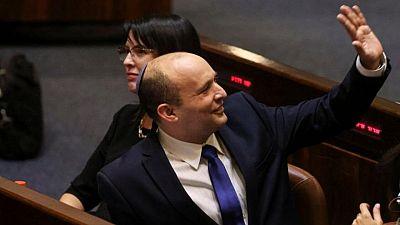 الحكومة الإسرائيلية الجديدة تفوز بالأغلبية وتنهي حقبة نتنياهو