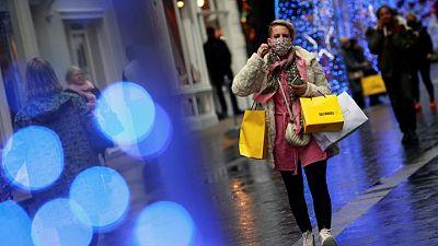 UK shopper numbers down 6.7% last week vs previous week - Springboard