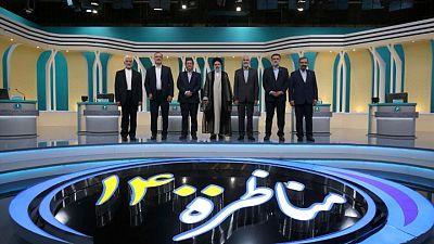 حقائق-قاض ومصرفي ومفاوض بين المرشحين لرئاسة إيران