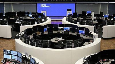 MERCADOS GLOBALES-Acciones tocan máximos récord antes de reunión Fed