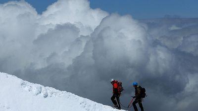 Su lato francese Monte Bianco, via sconsigliata ad alpinisti
