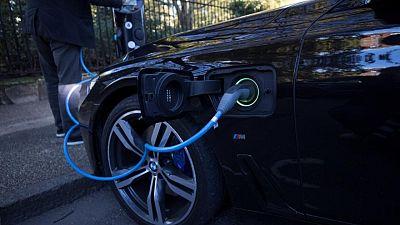 Londres negocia con 6 empresas para crear fábricas de baterías de vehículos eléctricos - FT