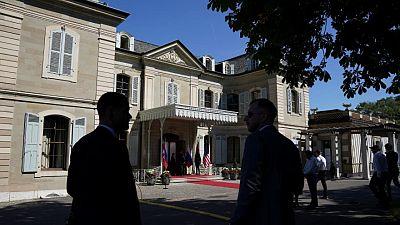 بايدن يلتقي بوتين في بداية قمتهما في جنيف