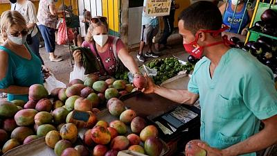 Roaring inflation compounds Cubans' economic woes