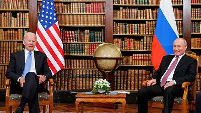 وكالة تاس: انتهاء أول جولة من المحادثات بين بوتين وبايدن بعد نحو ساعتين