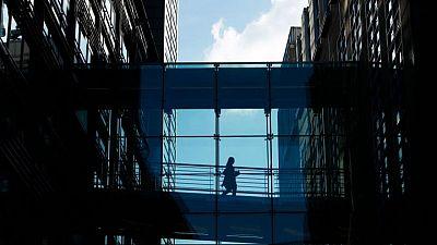 JPMorgan, Goldman Sachs delay workers' return to U.K. offices