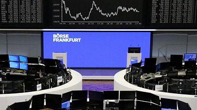 Las bolsas europeas caen tras tocar récord ante el cambio de tono de la Fed