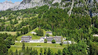 في جبال الألب السويسرية.. مصابو كورونا يتعافون في مصحات السل العتيقة