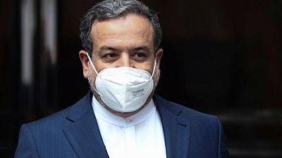 إيران تقول المفاوضات النووية أقرب إلى الاتفاق وروسيا ترى الكثير من العمل