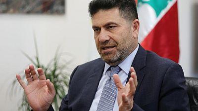 وزير الطاقة يدعو اللبنانيين للاستعداد لوقف دعم البنزين