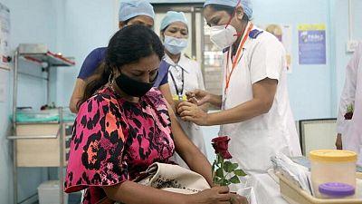 India debería prepararse para tercera ola COVID-19 para octubre: expertos en salud