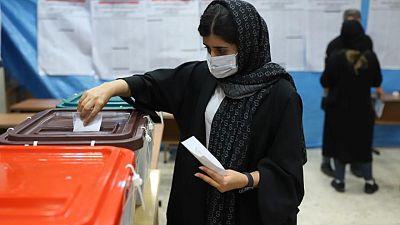 تلفزيون: إغلاق مراكز الاقتراع في انتخابات إيران وتمديد التصويت في بعض المراكز
