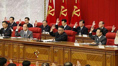 زعيم كوريا الشمالية يشدد قواعد انضباط الحزب الحاكم ويعين أعضاء جددا بالمكتب السياسي