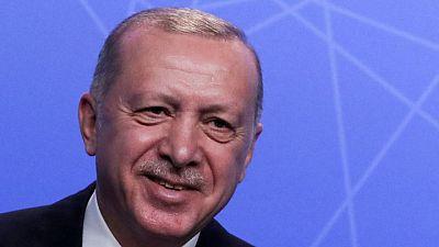 أردوغان يهنئ الإيراني إبراهيم رئيسي بالفوز بانتخابات الرئاسة