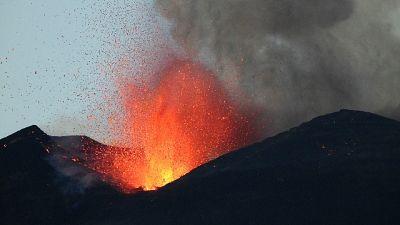 Attivo sempre cratere di Sud-Est, aeroporto di Catania operativo