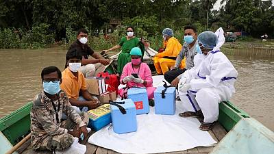 Vacunaciones en India tocan máximos récord