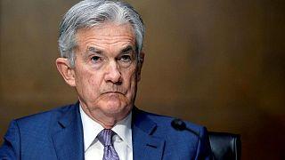 Powell de la Fed dice que no es seguro que brote de variante Delta afecte a la recuperación EEUU