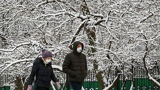 روسيا تسجل 23962 إصابة جديدة بكورونا و725 وفاة