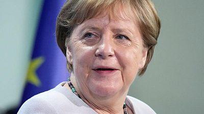 """المستشارة الألمانية ميركل تتوقع إنفاقا """"عملاقا"""" في السنوات المقبلة"""