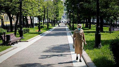 روسيا تسجل أعلى عدد وفيات يومية بكوفيد-19 منذ أربعة أشهر