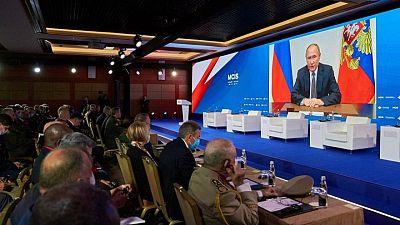 Fuerzas rusas realizan disparos de advertencia a destructor británico en Mar Negro: Interfax