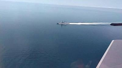 Britain says: don't get carried away by warship spat with Russia
