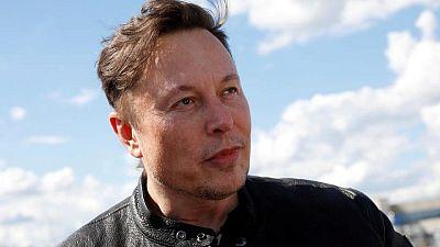 Musk dice que Starlink saldrá a bolsa cuando el flujo de caja sea más predecible