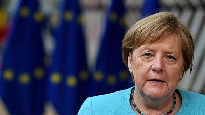 زعماء الاتحاد الأوروبي يرفضون خطة فرنسية ألمانية لقمة مع روسيا