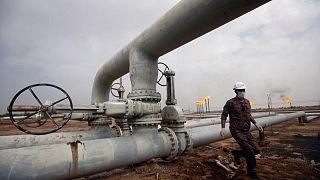 PETRÓLEO-Crudo sube por expectativas de mayor descenso en inventarios petroleros